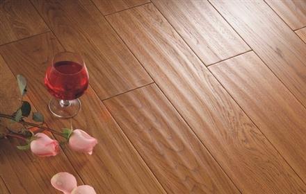 装修材料——实木地板材质的优劣分析